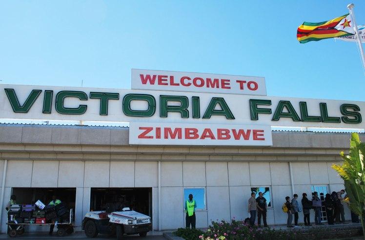 vic-falls-airport2